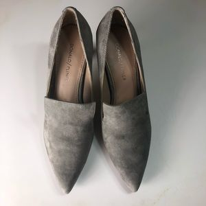 Donald J Pliner Louisa Pumps gray suede size 6.5